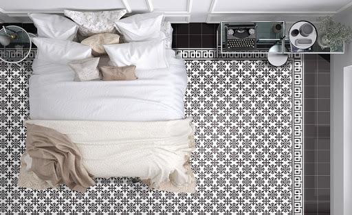 Nên phối đồ nội thất hoặc sơn tường có gam màu đơn giản khi ứng dụng loại gạch này
