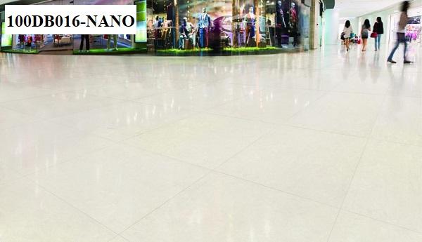 Bề mặt siêu bóng của mẫu gạch Đồng Tâm 100DB016-NANO mang tới sự sang trọng, đẳng cấp. Mẫu gạch kích thước lớn này thường được sử dụng tại các trung tâm thương mại, trường học, khách sạn