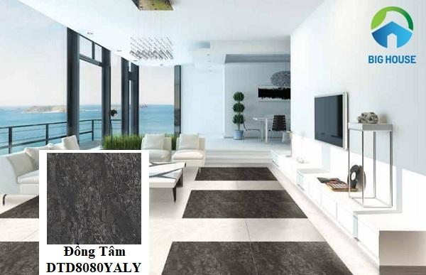Ấn tượng với mẫu gạch Đồng Tâm DTD8080YALY giả đá màu đen lát tạo điểm nhấn cho không gian phòng khách