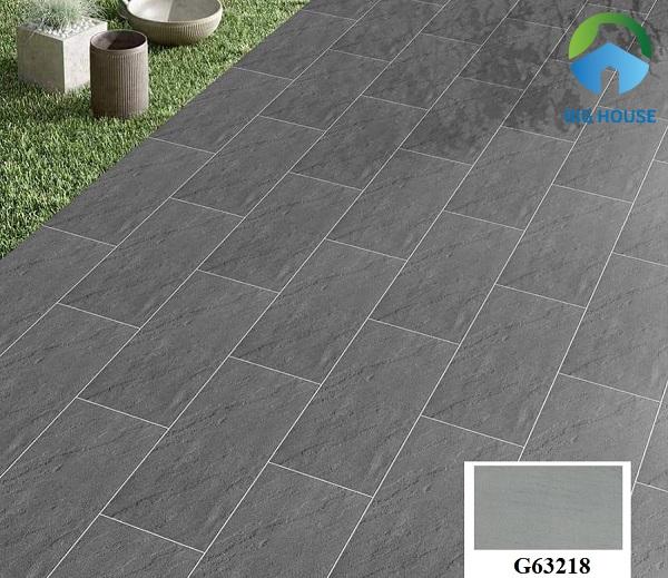 Mẫu gạch giả đá Taicera PC301G63218 lát nền vườn rất thích hợp. Xương gạch được làm từ chất liệu granite cứng chắc giúp chịu lực tốt, chống thấm cao