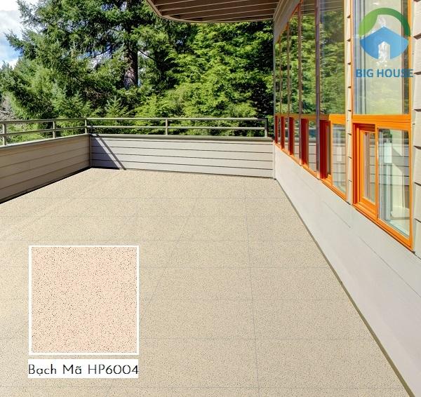 Sử dụng gạch giả đá Bạch Mã HP6004 kích thước cho khu vực hiên nhà diện tích rộng rất phù hợp