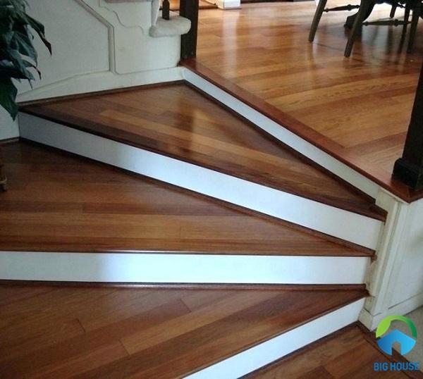 mẫu gạch lát nền cầu thang giả vân gỗ