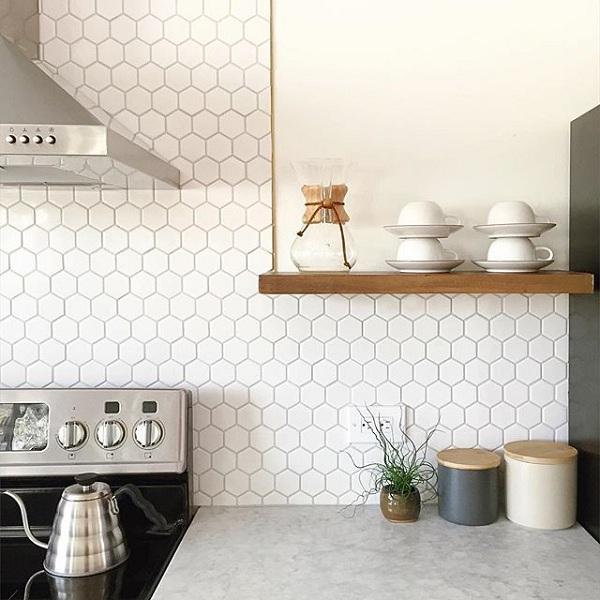 gạch lục giác trắng ốp bếp