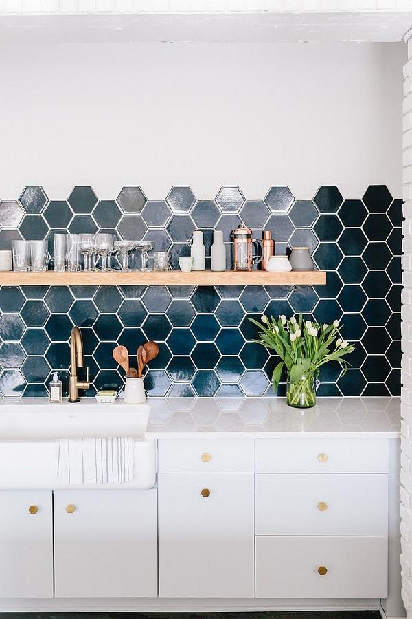 gạch lục giác nhà bếp đẹp màu xanh đậm