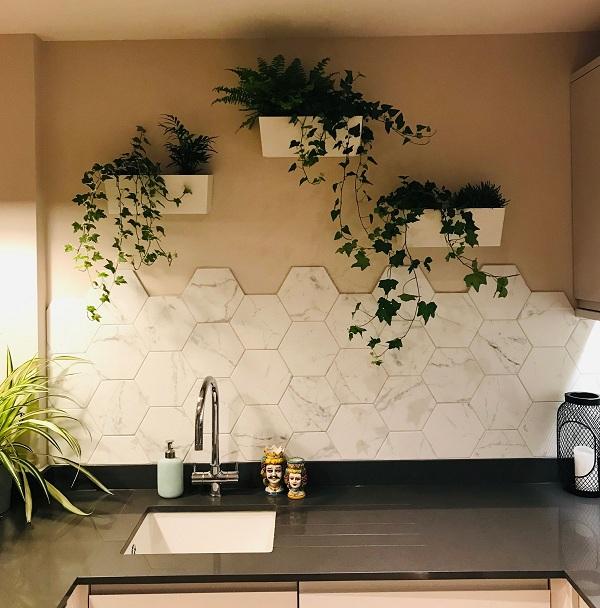 gạch nhà bếp lục giác gam màu trắng