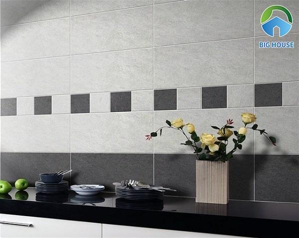 Áp dụng cách phối màu gạch để không gian bếp thu hút hơn