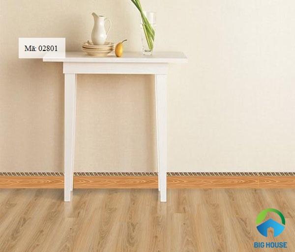 gạch ốp chân tường vân gỗ chân thực
