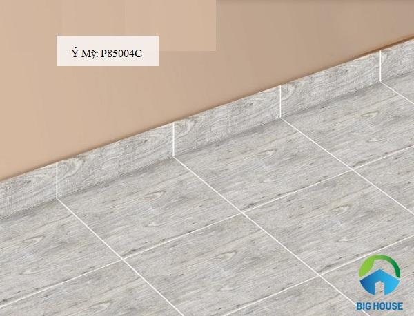 gạch vân gỗ ốp chân tường phòng khách