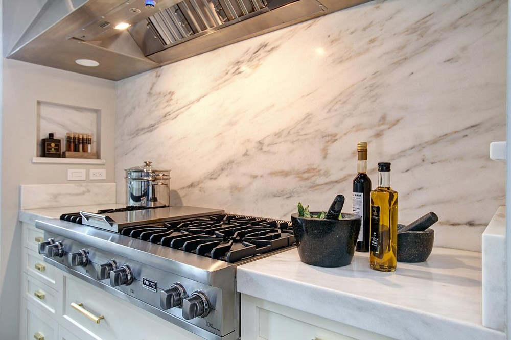 Gạch ốp tường bếp 30x60 được ứng dụng đa dạng tại nhiều công trình