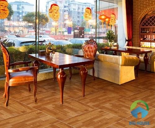 gạch lát nền quán cà phê giả gỗ mộc mạc