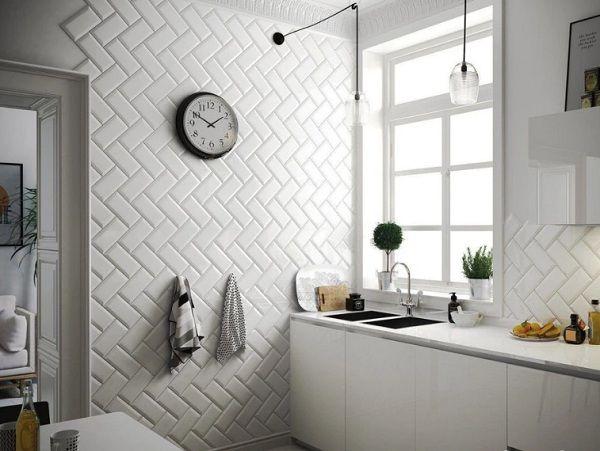 Gạch thẻ ốp tường màu trắng mang vẻ đẹp tinh khôi cho toàn không gian ứng dụng