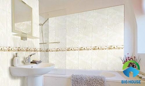 gạch viền trang trí nhà vệ sinh