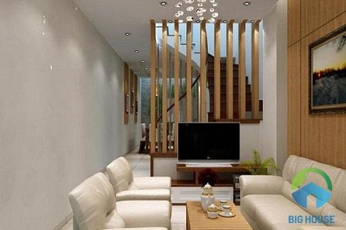 hạn chế nội thất giúp phòng khách nhà ống rộng hơn